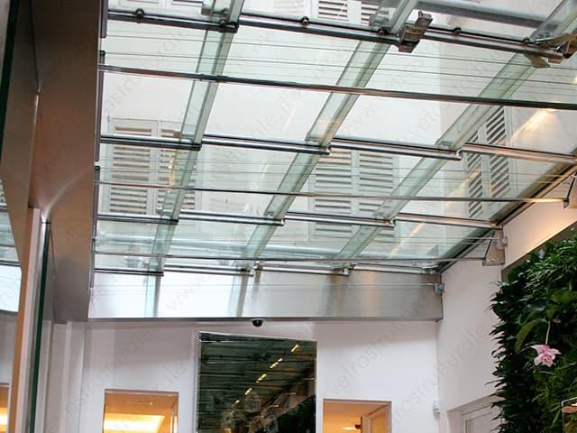 copetura-in-vetro-strutturale-realizzata-a-Milano-da-Vetrostrutturale