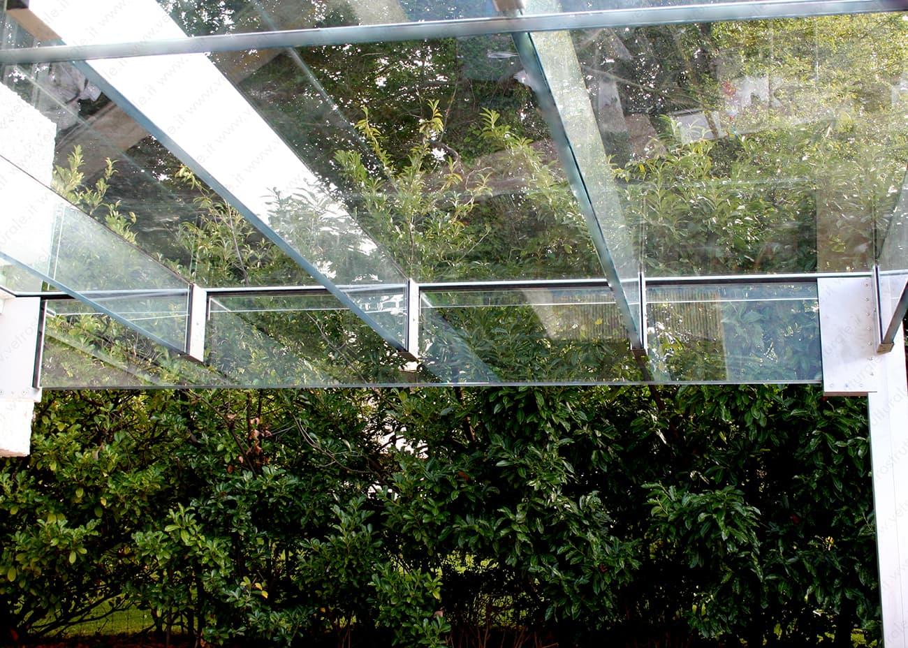 l'architettura del Canopy rappresenta un perfetto equilibrio estetico con l'ambiente naturale circostante in ogni stagione - autunno