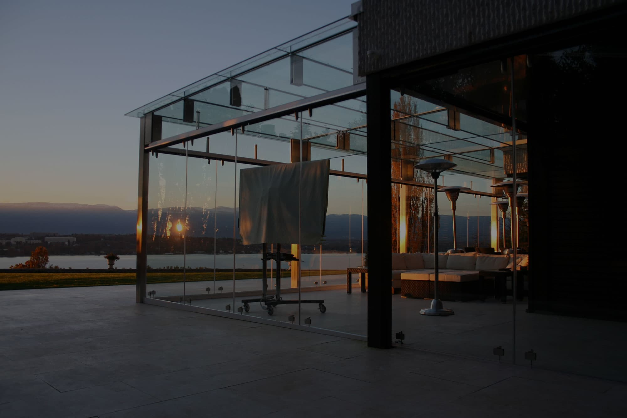 Vetrostrutturale realizza strutture in vetro strutturale in tutta Italia