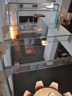 Realizziamo da anni elementi in vetro strutturale per arredare la casa po l'ufficio