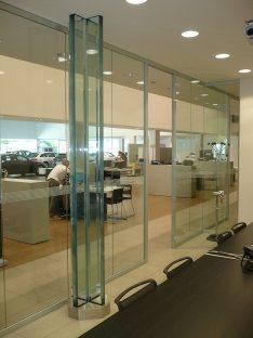 Realizzazione vetrate per uffici