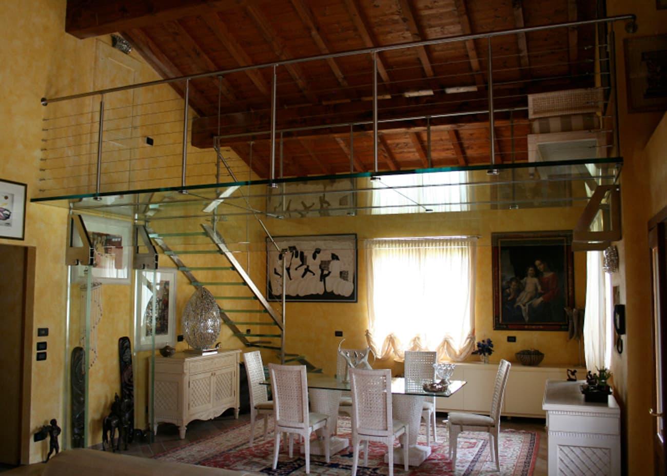 soppalco in villa privata realizzato e progettato da Vetrostrutturale, azienda Bresciana
