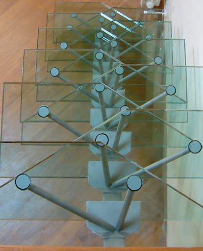 scala in vetro per abitazione privata, realizzata da Vetrostrutturale
