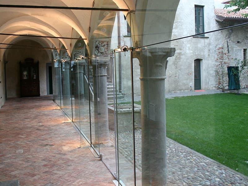 realizziamo da anni strutture di ogni tipo in vetro portante