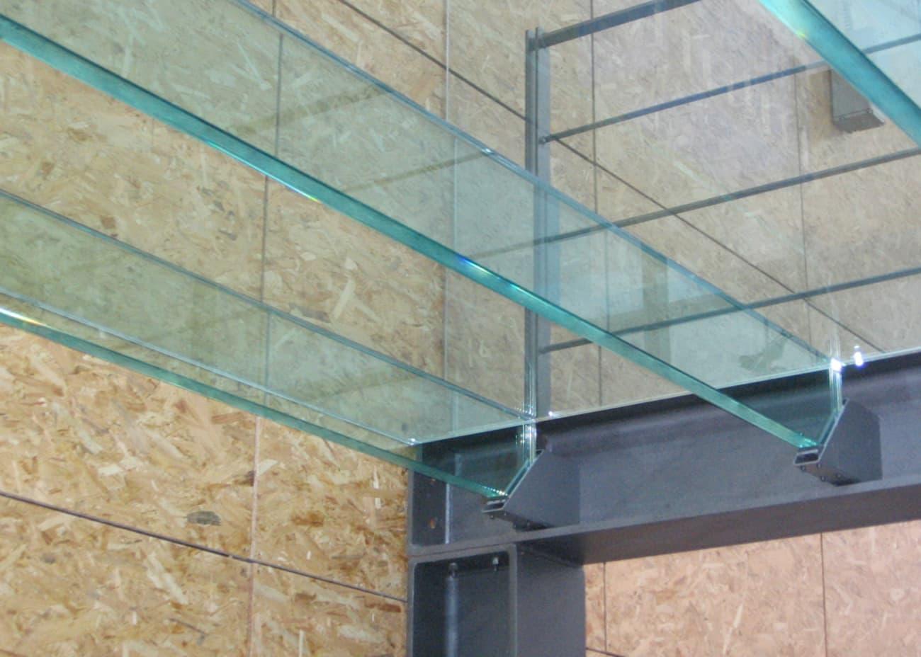 travi portanti ed elementi in vetro strutturale